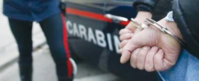 Siriano arrestato per tentato furto, ruba in aula il tablet del suo difensore