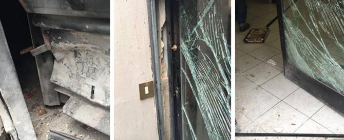 Firenze, bombe contro CasaPound: distrutta la libreria del movimento
