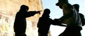 Sgominata baby gang: rapinavano ragazzi minacciandoli con coltelli e tirapugni