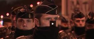 Sgomberato campo rom, allontanati in 400. A Parigi fanno sul serio (VIDEO)