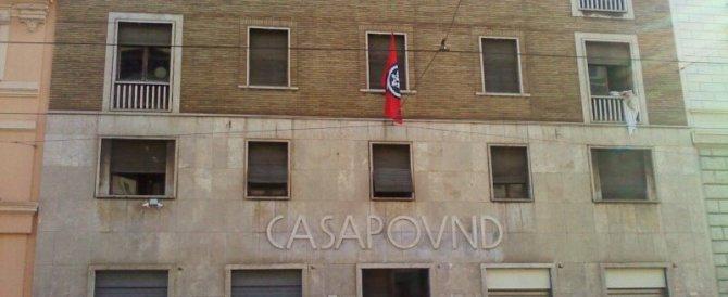 Il Pd: il Viminale condanni CasaPound. Ma il sottosegretario risponde così