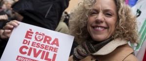 Gay, la Cirinnà contro i renziani: «Pago le loro porcate». Nel Pd è guerra totale