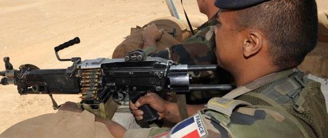 Libia, i commando francesi sono già lì. L'Italia tentenna ma concede le basi