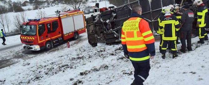 Francia, nuovo incidente di un bus di studenti: sei ragazzini morti
