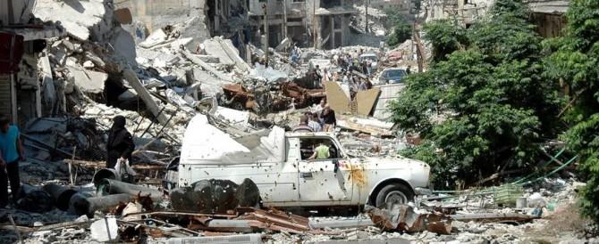 Siria, l'Isis colpisce al cuore la città lealista di Homs: decine di morti