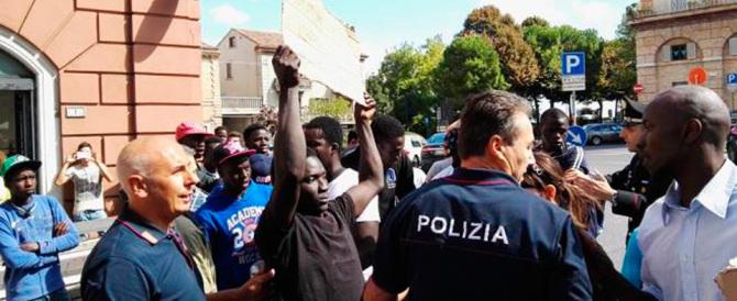 Traffico di migranti, sgominata rete criminale internazionale: 21 arresti