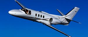 L'austerità vale solo per noi: Juncker viaggia in jet privato con i nostri soldi