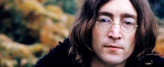 35mila dollari per i capelli di Lennon. La reliquia laica però non fa scandalo