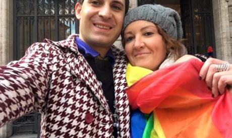 """L'outing dell'attivista romano: """"Il bacio gay al Senato? Ero io…"""". Ecco le foto"""