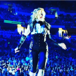 Madonna sul palco.  (Foto Instagram)