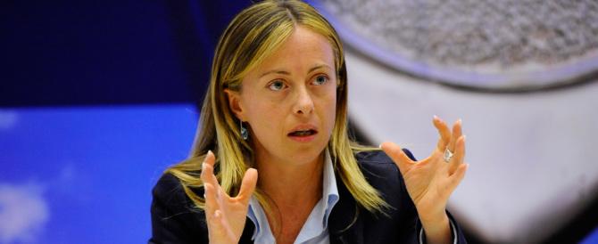 Meloni: «Mi vergogno della Mogherini, simbolo di un'Europa molle»