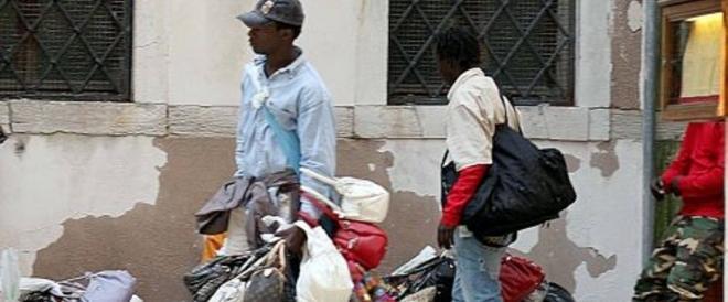 Provocò la morte di un pensionato: otto anni a un ambulante senegalese
