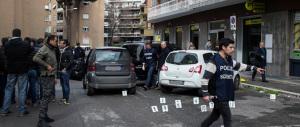 Sparatoria e caccia all'uomo: a Roma rapina da far west in un ufficio postale