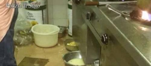 """Feci di topo, sporcizia e cibo avariato: chiuso ristorante cinese """"degli orrori"""""""