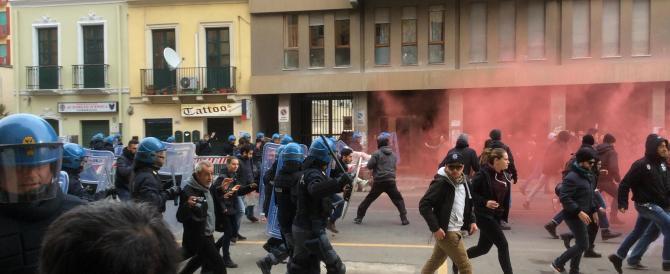 Cagliari, antagonisti contro Salvini. E lui: «Siete da ricoverare»