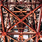 Una costruzione metallica perfettamente simmetrica. (Foto Instagram)