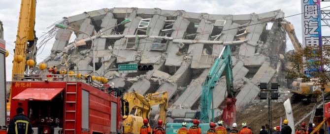 Sisma a Taiwan: arrestati i progettisti del palazzo crollato (VIDEO)