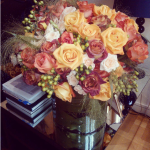 """Donatella Versace """"posta"""" spesso foto di composizioni di fiori. (Foto Instagram)"""