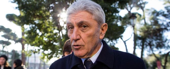 Bassolino rinuncia: non si candiderà sindaco di Napoli contro la Valente