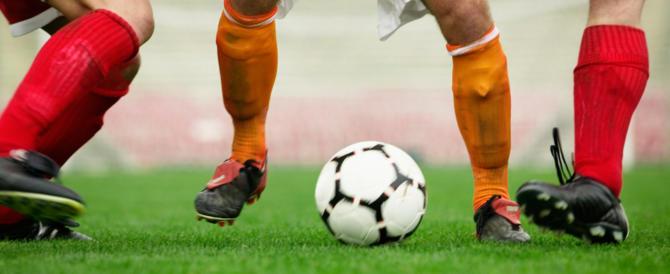 Calciomercato, dal 2018 la Premier chiuderà prima. E la Serie A?