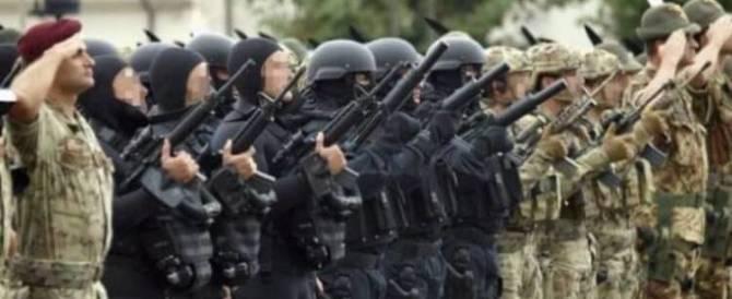 """In Libia vanno i nostri 50 supermen: gli incursori del """"Col Moschin"""""""