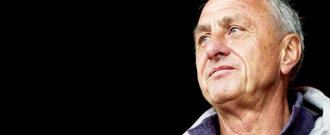 """Addio a Johan Cruyff, il """"profeta del gol"""" è scomparso a Barcellona"""