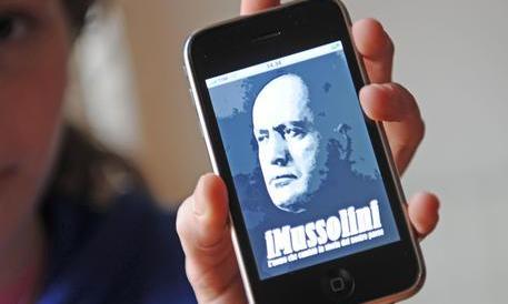 Siamo in guerra, ma per la Procura di Varese il pericolo è l'apologia di fascismo