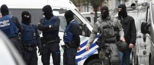 Battaglia a Bruxelles: un terrorista ucciso, quattro agenti feriti