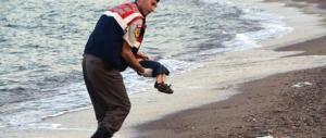 Solo quattro anni agli scafisti del naufragio in cui morì il piccolo Aylan