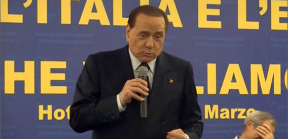 Berlusconi: io e Bertolaso all'Aquila venerati come Madonna e Gesù (video)