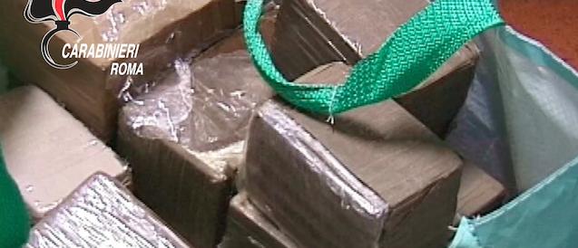 """""""Amore tossico"""" a Ostia: scoperta una banda di narcotrafficanti (VIDEO)"""