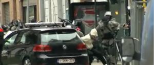 Il video dell'arresto di Salah, il carnefice del Bataclan