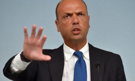 """Alfano pronto a un """"progetto"""" con FI. Ma Gasparri: """"Sei contraddittorio"""""""