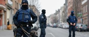 Blitz antiterrorismo, decine di arresti: volevano colpire durante Belgio-Irlanda