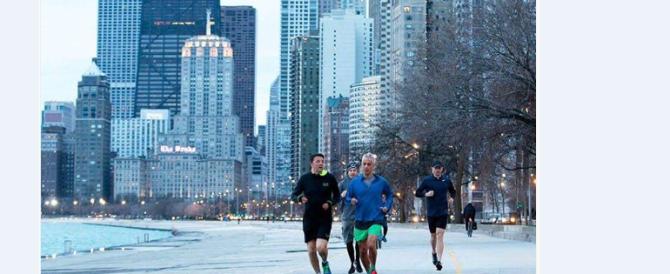Runner o propaganda? Ecco Matteo Renzi mentre corre a Chicago (Foto)