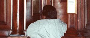 Romeno si finge prete: confessava e invece dell'assoluzione chiedeva soldi