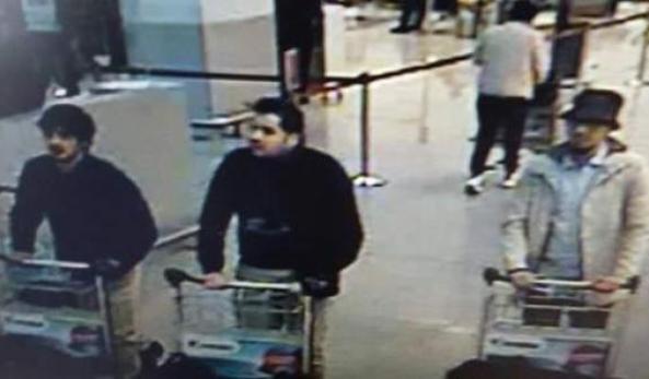 Finalmente ha un nome il volto del terzo uomo del commando di terroristi  autore delle stragi di Bruxelles  ed è quello di Faysal Cheffou bc03f829ca04
