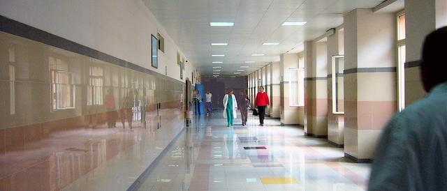 Campania, non ci sono sale operatorie libere: muore una donna di 42 anni