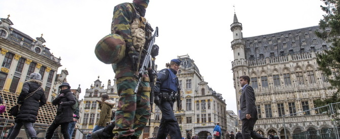 Bruxelles, il governo ha paura: niente marcia popolare contro le belve