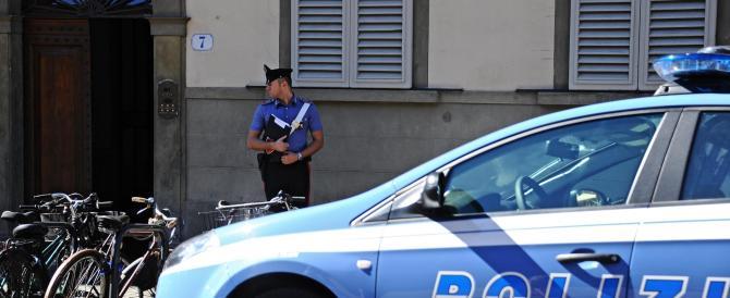 Firenze, marocchino viene rimesso in libertà e prende a sassate i passanti