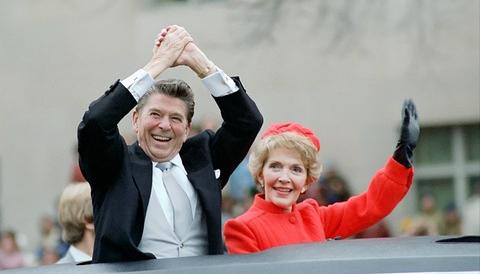 America in lutto per Nancy Reagan: la first lady che cambiò la storia