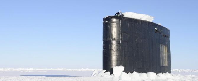 Il sottomarino nucleare americano sbuca dai ghiacci dell'Artico (VIDEO)