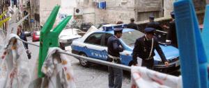 Sparatoria nella notte a Napoli: una ragazza ferita casualmente all'anca
