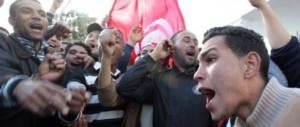 Assaltarono il Consolato: 13 tunisini a processo per sequestro di persona
