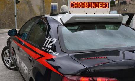 Choc a Genova: lascia la figlioletta di 2 anni a un clochard e se ne va