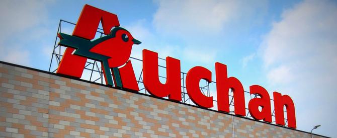 L'Auchan licenzia un dipendente per furto di 3 euro. Il giudice lo reintegra