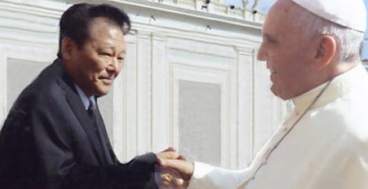 Indagato Takanori Fukushima, il medico del falso consulto per il Papa