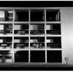 """La Casa del fascio, realizzata da Giuseppe Terragni. Viene considerato il """"capolavoro assoluto"""" del Razionalismo italiano. (Foto Instagram)"""