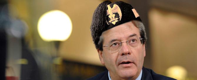 Che faccia da fez! Gentiloni rivendica l'Impero: «Italia superpotenza»