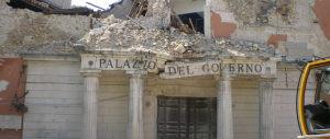 Cittadini dell'Aquila in piazza per chiedere la verità 7 anni dopo il terremoto